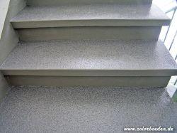 Treppenstufen mit Colorquarzsandbeschichtung